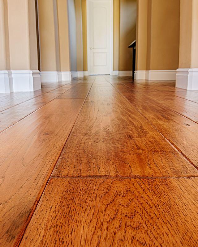 https://lvflooring.ca/wp-content/uploads/2020/06/Red-Oak-Hardwood-Floors.jpg
