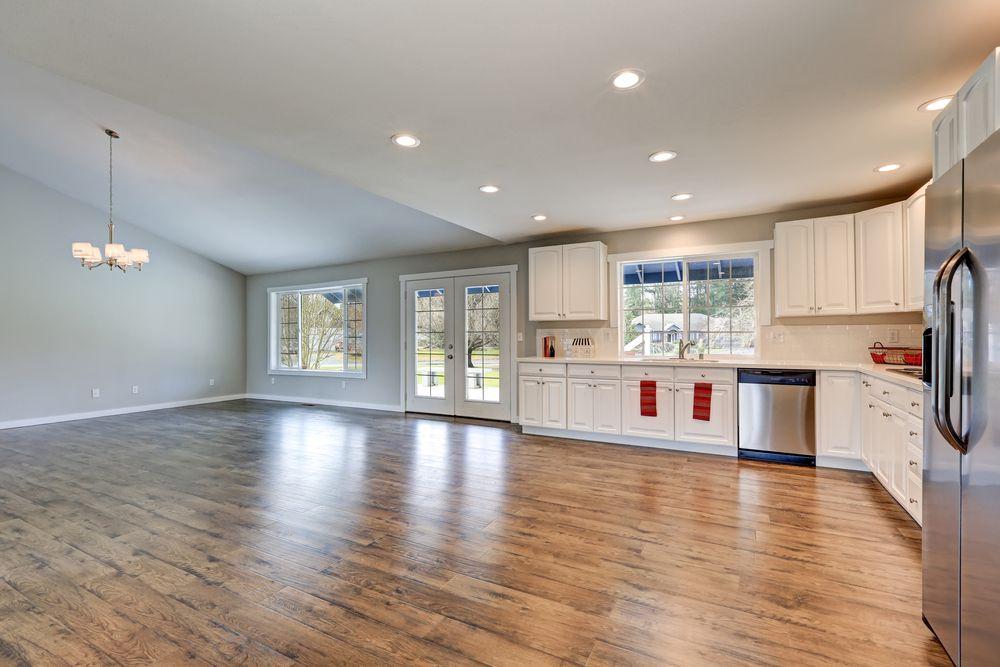 https://lvflooring.ca/wp-content/uploads/2020/06/laminate-flooring-1.jpg