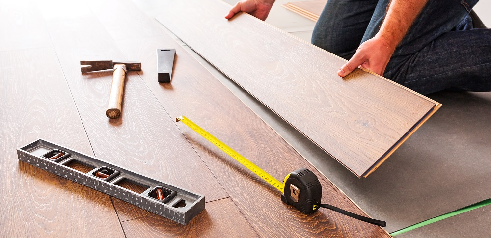 https://lvflooring.ca/wp-content/uploads/2020/08/7-Great-Tips-for-Fixing-Squeaky-Hardwood-Floors-7.jpeg