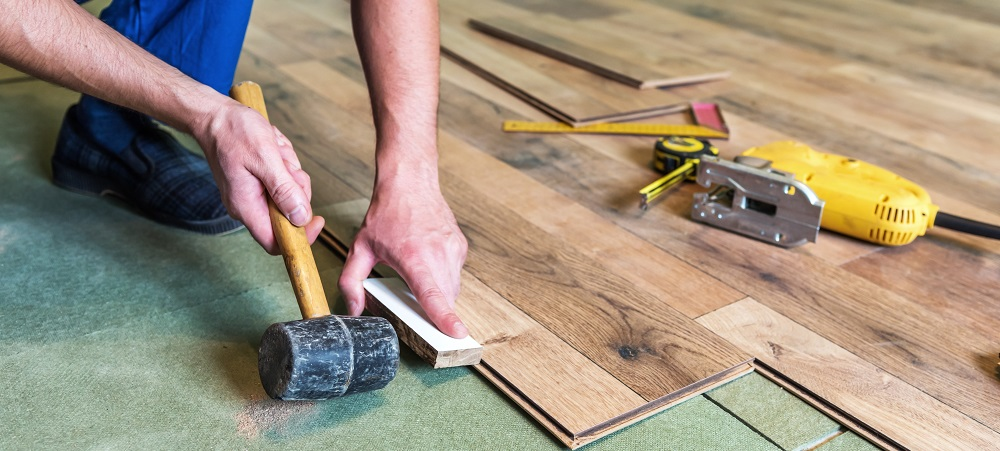 https://lvflooring.ca/wp-content/uploads/2020/09/7-Advantages-of-Installing-Hardwood-Flooring-in-Your-Kitchen-2.jpeg