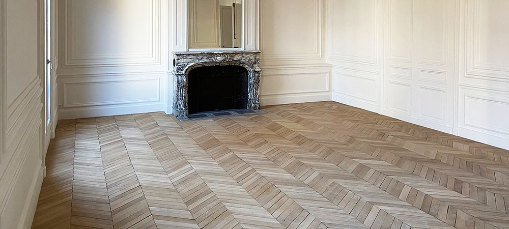 https://lvflooring.ca/wp-content/uploads/2021/05/what-is-chevron-hardwood-flooring.jpg