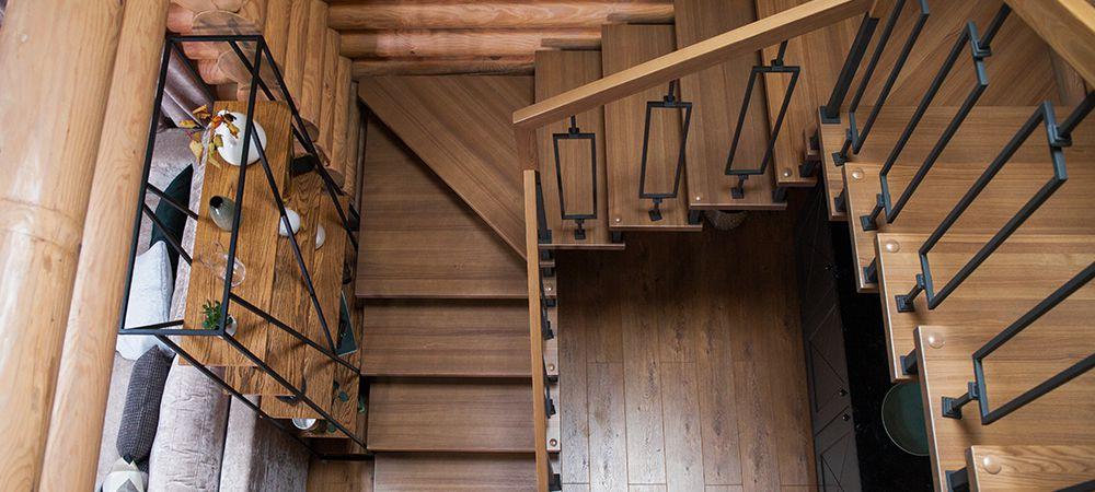 U-shaped hardwood stairs